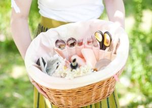 Bicycle picnic basket liner plus drawstring bag